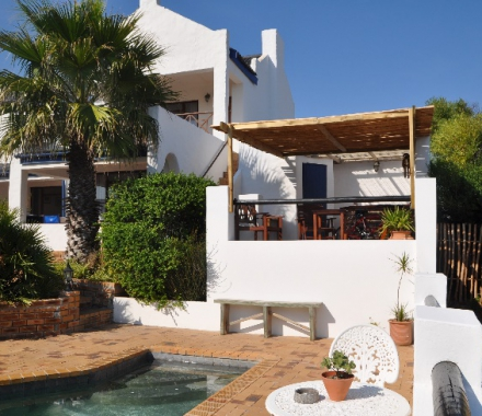 Saxon Lodge offers a down to earth, home from home stay in Gansbaai